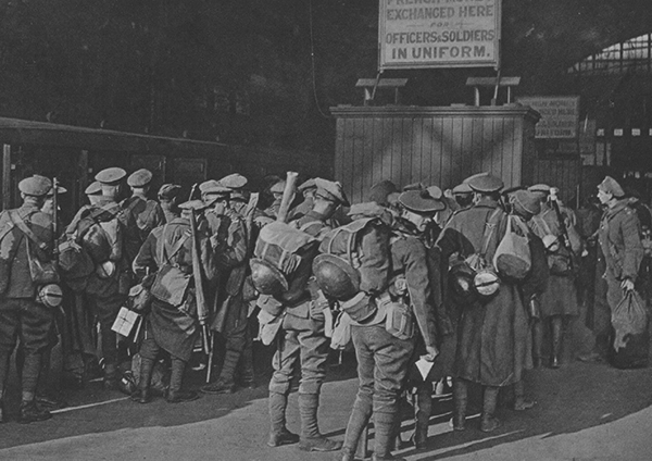 WW1 troops at railway station